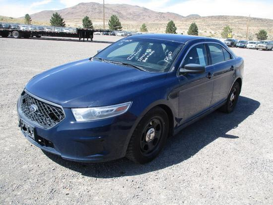 2013 MAKE FORD MODEL INTERCEPTOR SEDAN VIN 1FAHP2MT6DG110519 DESCRIPTION NO CONSOLE PLASTIC REAR
