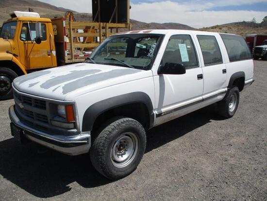 1998 CHEV SUBURBAN 2500
