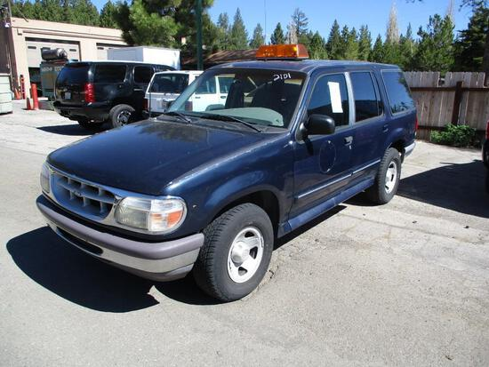 1996 MAKE FORD MODEL EXPLORER VIN 1FMDU34X4TZB73949 DESCRIPTION 4X4 NO CONSOLE RUBBER FLOOR MAT