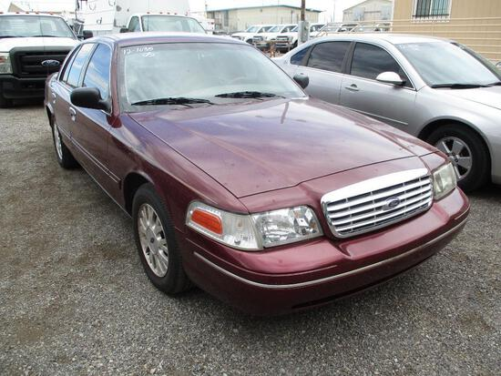 2005 FORD CROWN VIC LX