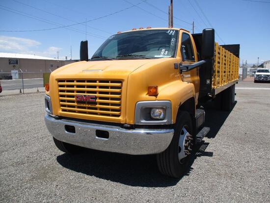 2007 GMC C6500 STAKEBED