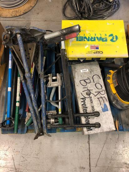 Miss tools on pallet