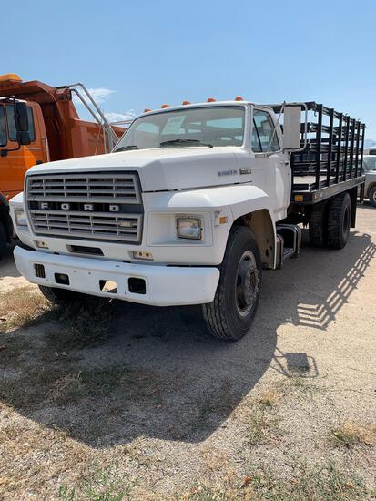 1983 FORD F700 FLATBED