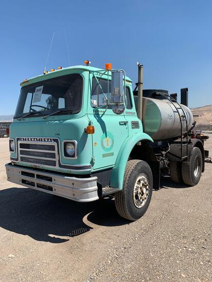 1981 INTL HOT OIL TRUCK