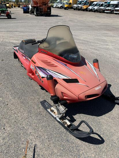 1996 YAMAHA SNOWMOBILE