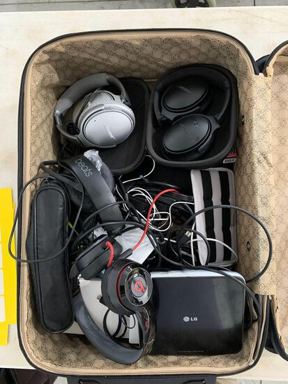 SUITCASE W/ ELCTRONICS - BEATS AND BOSE HEADPHONES