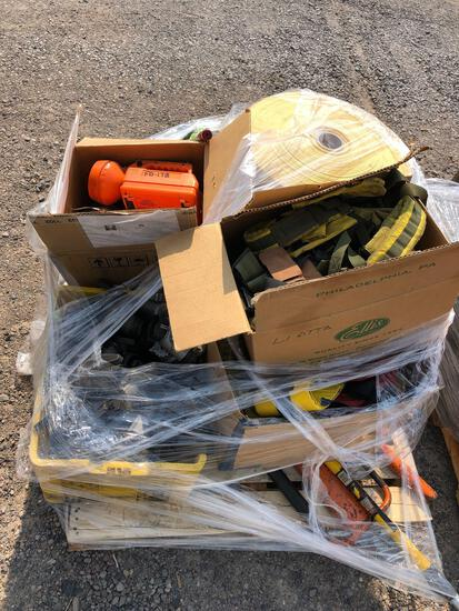 FLASHLIGHTS/ FITTINGS AND SAFETY EQUIPMENT
