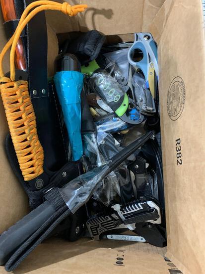 BOX W/ KNIVES