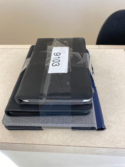 4 Samsung Tablets