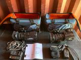 2- SONY HDV DVCAM'S AND BAGS
