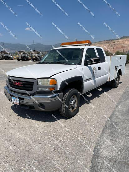 2006 GMC 2500HD UTILITY
