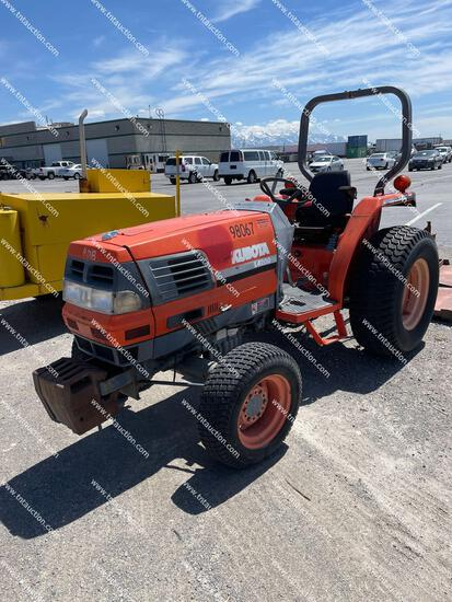 KUBOTA L4200 TRACTOR