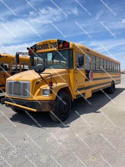 2004 FREIGHTLINER 72 PASS BUS