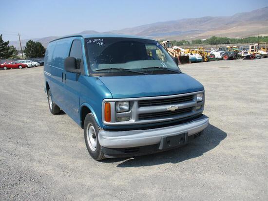 1998 CHEV 2500 CARGO VAN