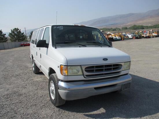 2002 FORD E-350XLT VAN