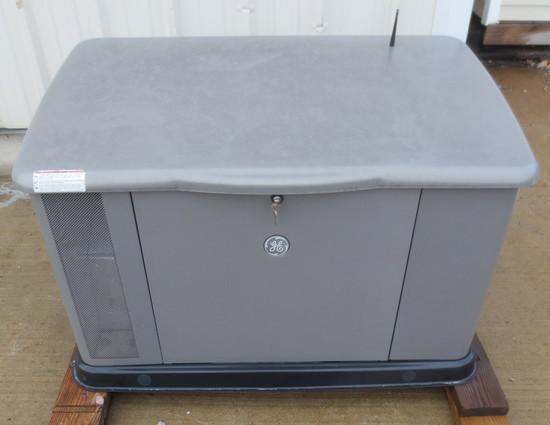 2012 GE Whole House Generator, LP Gas, 200 Amp @ 100V, 100 Amp @ 220 V