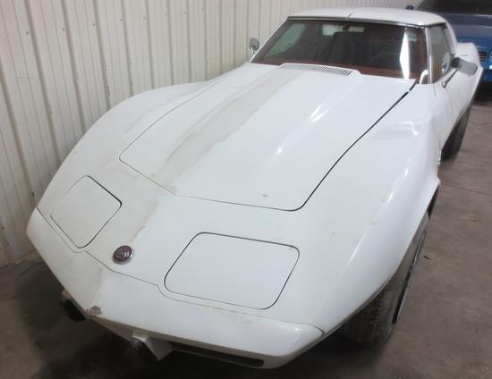 1976 White Corvette Stingray