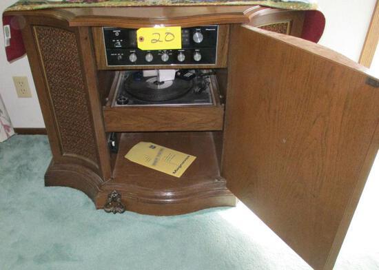 Radio/Record Player Table