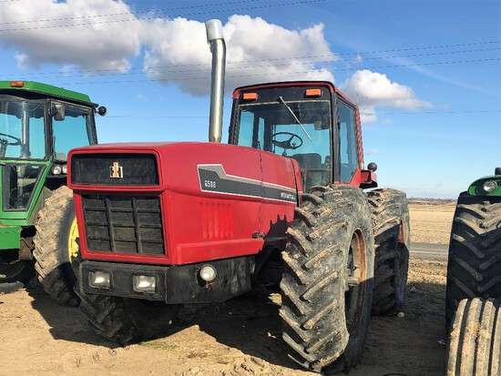 1981 IH 6588 Articulating Tractor