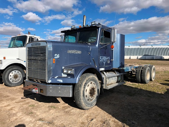1987 Freightliner 10 Wheel Cab & Chassis Truck