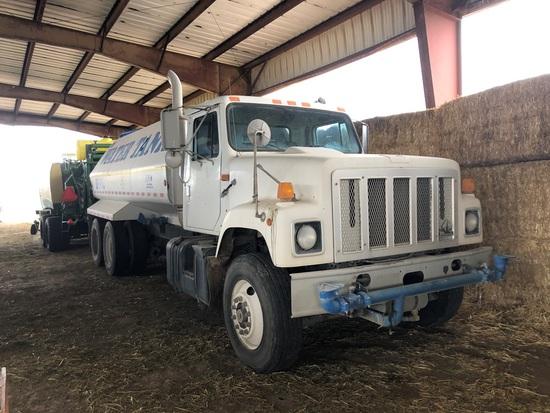 1997 IH 2574 10 Wheel Water Truck