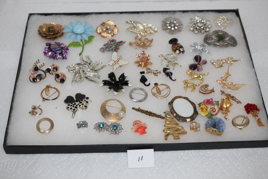 Assorted Vintage Jewelry Pins