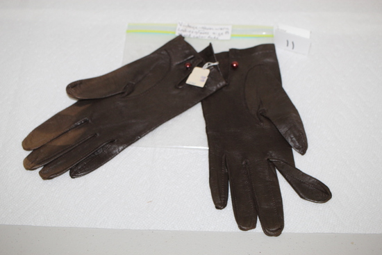 Vintage Ladies Gloves, Size 8, Ruson, Slight color fade