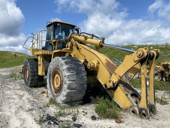 CATERPILLAR 988H WHEEL LOADER FOR PARTS/SCRAP, S/N: CAT0988HEBY00302, 35/65-33 TIRES, ENGINE