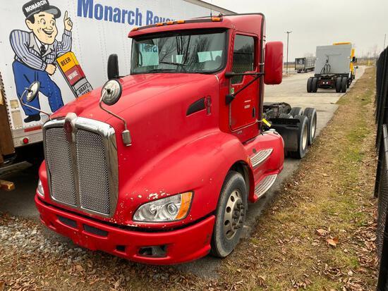 2012 KENWORTH T660 TRACTOR, TANDEM AXLE, DAY CAB, CUMMINS ISX15 450ST DIESEL ENGINE, 450 HP, KALMAR