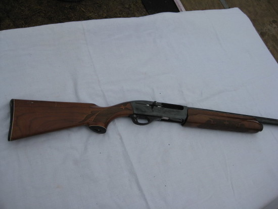 Remington Model 1100 12 ga smauto shotgun