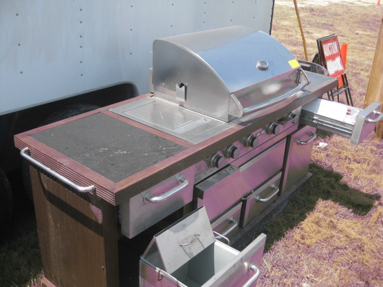 M-Professional Stainless Steel Grill Station like new