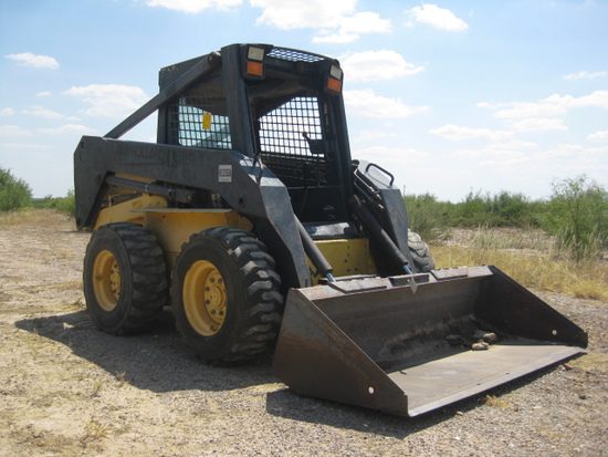New Holland Model LS180 Skid Loader with Bucket