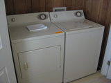 Set GE Washer and Dryer Longhouse