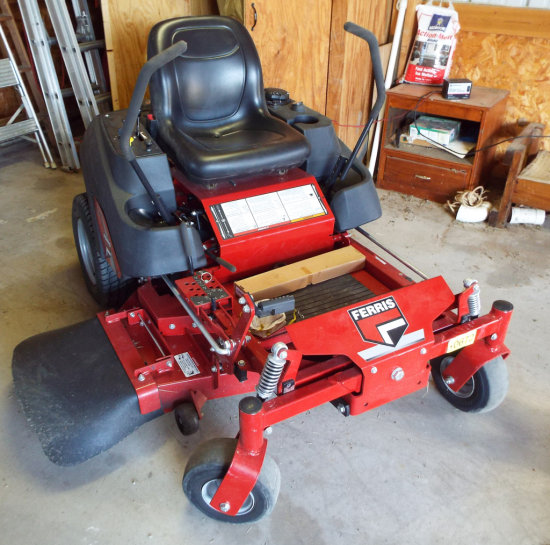 "Ferris IS 600 2 44"" Zero Turn Riding Mower"