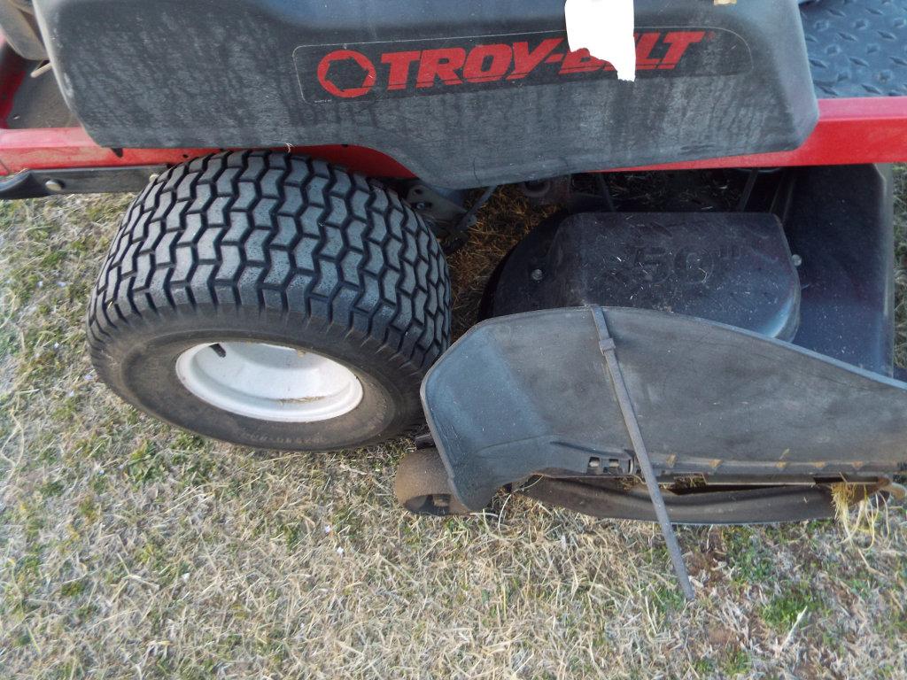 Lot: Troy-Bilt Mustang R2T 50