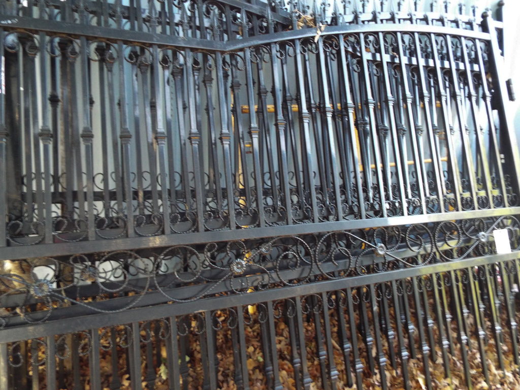 4-9' Decorative Entrance Gates