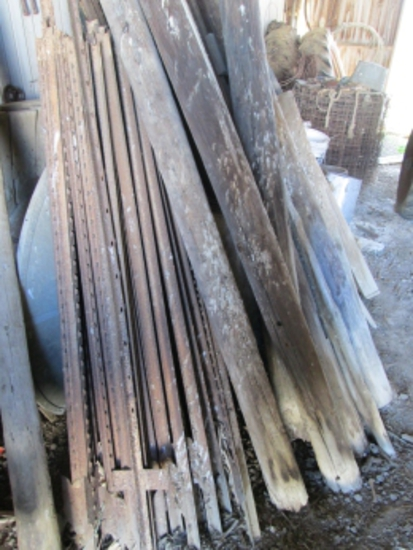 approx. 200 steel fence posts