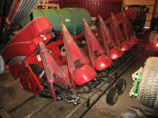 2011 C-IH 3206, (6-30) poly cornhead, cornstock  stompers, 1-owner, s.n. YBS022181