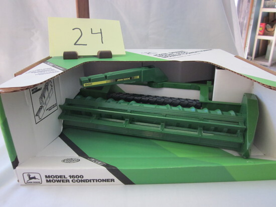 JD 1600 Mower Conditioner-NIB-1:16