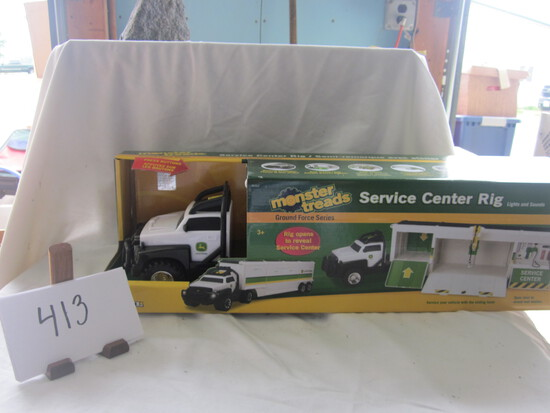JD Monster Treads Service Center Rig NIB