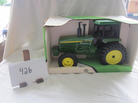 JD 4955 MFWD tractor NIB 1:16
