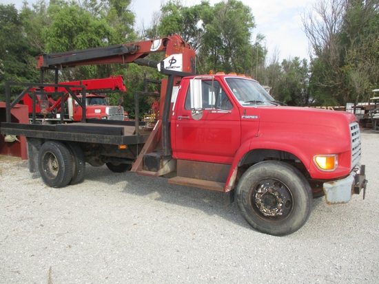 '98 Ford F Series, Crane truck 14' bed, Pittman Hydra-Lift 4 ton crane