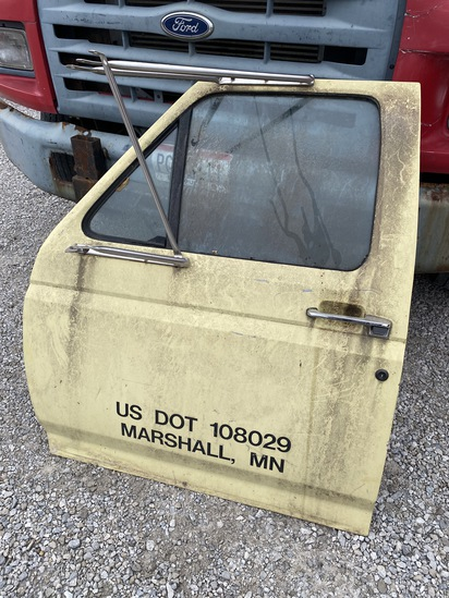 Used driver's side truck door for F series
