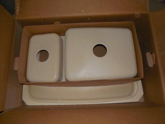 Corian Double Basin Sink in Box
