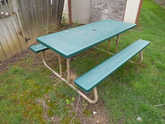 Collapsible Picnic Table