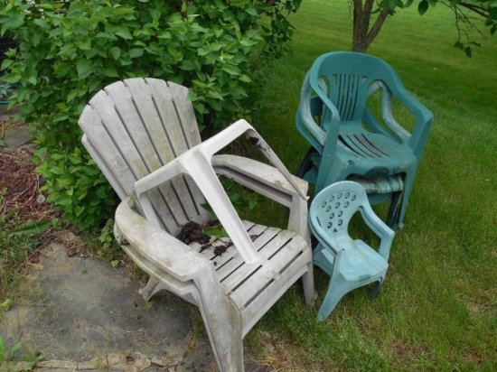 Group Lot of Plastic Chairs