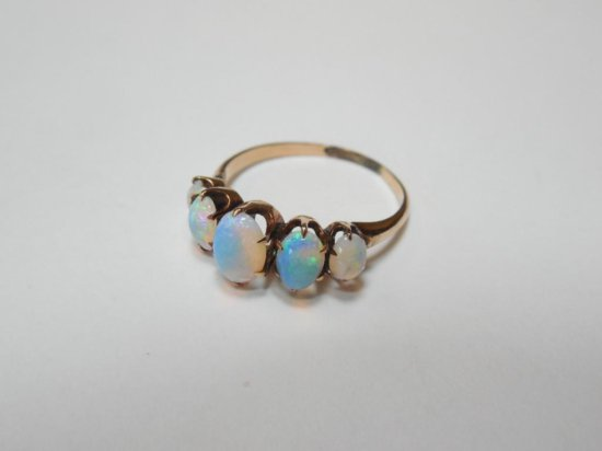10k Gold and Opal Antique Ring