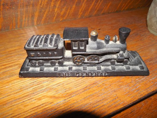 Old The General Cart Iron Railroad Paperweight