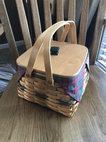 Nice Longaberger Basket w/Handles and Lid