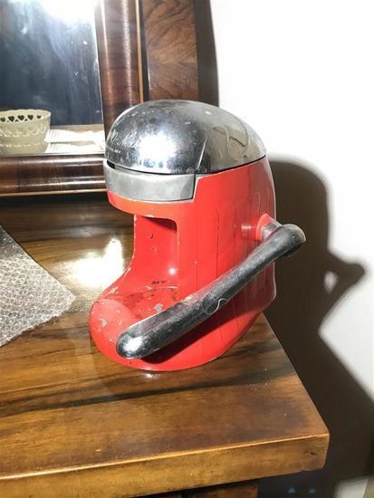 Vintage metal juicer machine